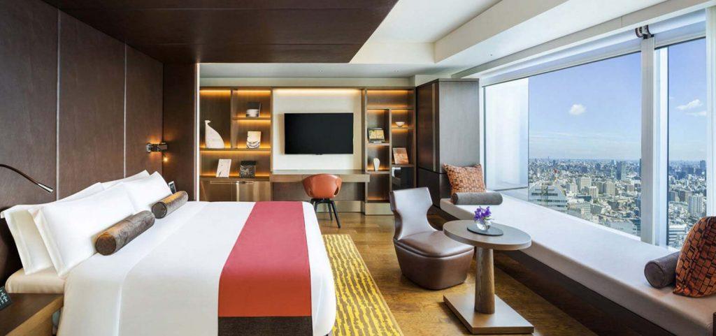 managing hotel